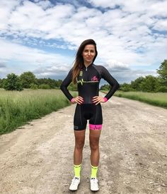 1,759 mentions J'aime, 12 commentaires - @moonsbreakfast sur Instagram : « #beautiful #beauty #gorgeous #cycling #cycle #bike #girlsonbikes #triathlon #timetrial… »