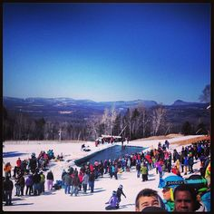 #burkemountain April snowboarding☀❄sick view of LakeWilloughby