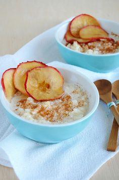 Baked rice pudding with honeyed apples / Arroz doce de forno com maçãs ao mel by Patricia Scarpin, via Flickr