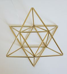 Small EGG OF LIFE, Merkaba, Tetrahedron Star of David 3 D Himmeli Hanging Brass Home Decor, perfect also as wedding decor.Star of David is its form, interesting that all 24 letters of Ancient language of Hebrew dra. Straw Crafts, Diy Straw, Geometric Decor, Geometric Shapes, Egg Of Life, Wooden Bird Houses, Crochet Christmas Ornaments, Wood Gifts, Pallet Art