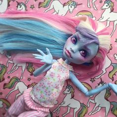 I was honestly not expecting her to turn out this cute.  . . . #abbeybominable #pastelhair #pastelcolors #monsterhigh #monsterhighdolls #monsterhighrepaint #monsterhighcustom #custommonsterhigh #mattel #repaint #dollrepaint #repaintdoll #faceup #customdoll #artdoll #ooakdoll #dollstagram #dollphotography #dollphotogallery #dollcollector #toyphotography