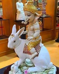 Bappa on Undir mama Shri Ganesh Images, Ganesh Chaturthi Images, Ganesha Pictures, Jai Ganesh, Ganesh Idol, Shree Ganesh, Clay Ganesha, Ganesha Art, Krishna Art