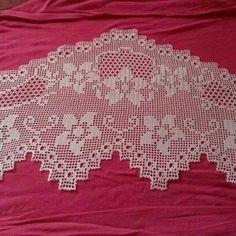 (6) Dantelim Crochet Art, Filet Crochet, Crochet Doilies, Holiday Crochet Patterns, Hand Embroidery Flowers, Crochet Borders, Bargello, Crochet Clothes, Cross Stitch Embroidery