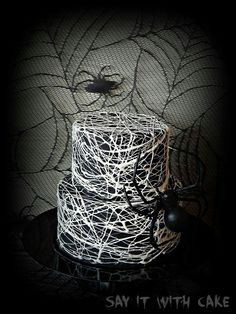 Halloween style!! Spiderweb cake for your Halloween Party!