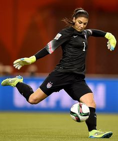 Hope Solo Height Weight Bra Size Body Measurements Vital Stats Facts