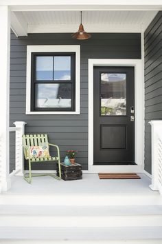 Exterior Paint Colors - You want a fresh new look for exterior of your home? Get inspired for your next exterior painting project with our color gallery. All About Best Home Exterior Paint Color Ideas Exterior Gris, White Exterior Houses, Exterior Color Schemes, House Paint Exterior, Exterior Design, Black Windows Exterior, Grey House Exteriors, House Siding Colors, Modern Exterior