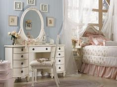 So pretty romantic Shabby Bedroom