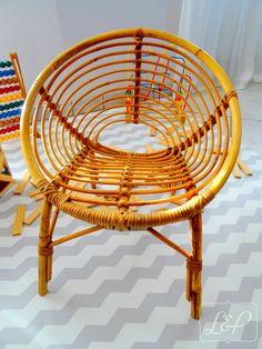 Chaise fauteuil vintage pour enfant en rotin de forme coquille : Chambre d'enfant, de bébé par lin-et-patine