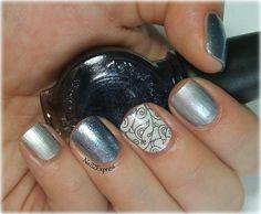Metallic skittlette manicure