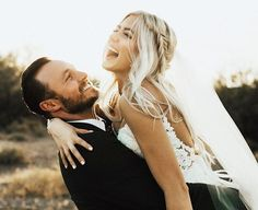 this weekends wedding was the dreamiest happiest ever. these two have the most contagious laughs and are also the nicest, most caring humans you will ever meet. yesterday was filled with more happy tears than probably any other day ever and it was perfect. so happy for you crazies and hope marriage is the freakin best! #gracedbygrover  Instagram Profile: @oliviamarkle  Source/Origem: https://www.instagram.com/p/BTQICKrhfe6/
