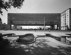 Museu de Arte de São Paulo - Lina Bo Bardi - 1956 (photo: Hans Günter Flieg)