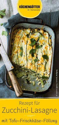 Einfaches Low Carb-Rezept für leckere Zucchini-Lasagne mit Tofu-Frischkäse-Füllung.