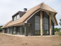 Afbeeldingsresultaat voor woning met rieten dak