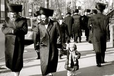 My best friend in high school lived in a hassidic Jewish neighborhood.  Got an eyeful of a very different culture.