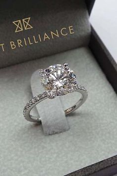 Diamond Wedding Rings 80 top engagement rings for a summer wedding Wedding Rings Simple, Beautiful Wedding Rings, Wedding Rings Solitaire, Wedding Rings Vintage, Wedding Jewelry, Bridal Rings, Unique Rings, Eternity Rings, Beautiful Dream