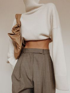 Minimal and Oversized (Modedamour) Mode Outfits, Casual Outfits, Fashion Outfits, Fashion Trends, Street Style Inspiration, Mode Inspiration, Mode Lookbook, Mode Simple, Mode Streetwear