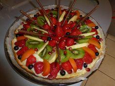 ananas, oeuf, lait, farine, abricot, sucre vanillé, rhum, pâte brisée, mandarine, fraise, kiwi, sucre