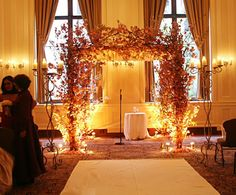 would love to be able to build something like this for outdoor ceremony . . .