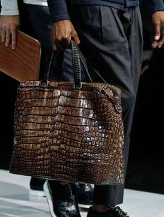 The modern alligator handbag Handbags For Men, Vintage Handbags, Leather Handbags, Leather Bag, Big Bags, Leather Accessories, Giorgio Armani, Beautiful Bags, Fashion Bags