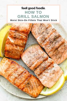 Grilled Seafood, Grilled Salmon, Healthy Grilling Recipes, Vegan Recipes, Salmon Recipes, Seafood Recipes, Lemon Salmon, Fish And Meat, Easy Weeknight Meals