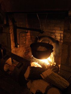 Plum Pudding cooking over the fire, and a chicken roasting near the fire in a metal reflector. Rubeus Hagrid, Goldilocks And The Three Bears, 3 Bears, Hobgoblin, Primitive Homes, Hearth And Home, Kitchen Witch, Cabins In The Woods, Holiday Traditions