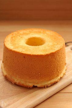 【保存版】ふわっふわでしぼまない!基本のシフォンケーキ、徹底解説! | レシピサイト「Nadia | ナディア」プロの料理を無料で検索