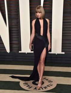 Wearing an Alexandre Vauthier Haute Couture dress, Lorraine Schwartz jewels, and Giuseppe Zanotti shoes at Vanity Fair's Oscar party. Formal Dresses Online, Dresses For Sale, Faviana Dresses, Prom Dresses, Taylor Swift Images, Cheap Evening Gowns, Haute Couture Dresses, Vanity Fair Oscar Party, Celebrity Dresses
