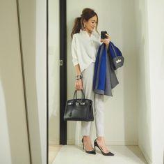 #coordinate トップス#fifth#fifthtl#フィフス @fifth_store ボトムス#PLST#プラステ 靴#valentino #ヴァレンティノ コート#enfold#エンフォルド アクセ#hermes#エルメス , 1枚でも、タートルの下などにも重ね着しやすいこのシャツは、色違いで揃えるお気に入りアイテムブログに他の写真も載せています #fashion#outfit#ootd#instafashion#mamacoordinate#ママコーデ#ママコーディネート#コーディネート#コーデ#ファッション#プチプラ