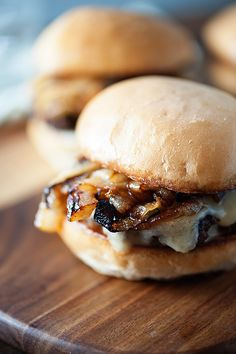French Onion Soup Sliders - All the goodness of French Onion Soup in a cheeseburger!