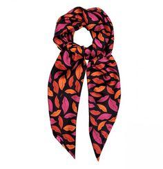 15 meilleures images du tableau Mode   Crop dress, Silk scarves et ... 4719ff66357