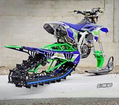 Dirtbike sled hell ya with a turbo to boot! Ski Doo, Snow Vehicles, Cool Dirt Bikes, Hors Route, Offroader, 4 Wheelers, Moto Bike, Motorcycle Outfit, Motorcycle Helmets