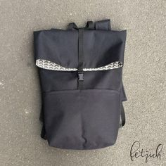 Anleitung: Rucksack aus Oxford-Gewebe selber nähen Good at it! With a costly pattern and sewing inst Sewing Patterns Free, Free Sewing, Sewing Tutorials, Clothing Patterns, Knitting Patterns, Pattern Sewing, Handmade Clothes, Handmade Bags, Diy Clothes