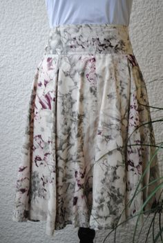 Skirt, secondhand, from Tiger of Sweden. 89 SEK.  http://www.jerikascorner.se/kjol/86-0