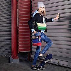 Difícil escolher a melhor versão colorida da Gabrielle Bag um dos lançamentos da @chanelofficial de 2017. Fácil apenas ter certeza de que @caradelevingne a skatista e rosto da campanha combina igualmente com as duas não? #gabriellechanel #chanel #chanelbrasil (via @camilalimaq )  via MARIE CLAIRE BRASIL MAGAZINE OFFICIAL INSTAGRAM - Celebrity  Fashion  Haute Couture  Advertising  Culture  Beauty  Editorial Photography  Magazine Covers  Supermodels  Runway Models