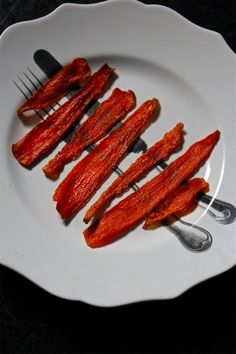 """Make your own """"bacon"""" with these delicious veggies. We've got a full list of DIY vegan bacon recipes for those looking to cut back on meat and dairy. Vegan Vegetarian, Vegetarian Recipes, Vegan Food, Healthy Recipes, Vegan Treats, Vegan Dishes, Vegetable Recipes, How To Make Bacon, Making Bacon"""