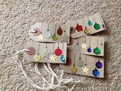 DIY Christmas Gift Tags Cute Christmas Tags Made Out of Sequins, Buttons and Other Embellishments.Cute Christmas Tags Made Out of Sequins, Buttons and Other Embellishments. Diy Christmas Tags, Christmas Gift Wrapping, Kids Christmas, Kirstie's Homemade Christmas, Kirsties Handmade Christmas, Christmas Projects, Simple Christmas, Christmas Stockings, Christmas Decor