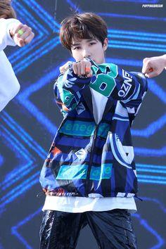 "POPPING DREAM on Twitter: ""180511 고성 청소년 축제한마당 #런쥔 #RENJUN Go!… "" Winwin, Taeyong, Jaehyun, Nct 127, Daddy Long, Huang Renjun, Fandom, Korean Name, Nct Dream"