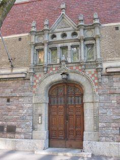 Arched doorway, wooden doors, Helsinki