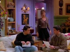 """on Twitter: """"A thread of iconic Rachel Green Outfits…"""