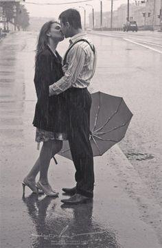 Kissing in the rain  <3