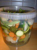 Nakladaná zelenina - bez sterilizácie Kimchi, Pickles, Broccoli, Cucumber, Cauliflower, Food To Make, Food And Drink, Canning, Recipes