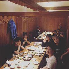 오랜만에모두모여서식사하네요 #EXO #엑소