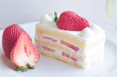 strawberry short cake?? cake yummy want