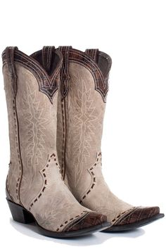 Check out these beautiful boots! Double D Ranch ~ Lane have collaborated creating a distressed bone leather boot, trimmed with an antique brown crocodile print leather. This combination makes the Black Cowgirl Boots, Western Shoes, Cowboy Shoes, Western Chic, Western Boot, Western Wear, Luchesse Boots, Lv Shoes, Star Boots