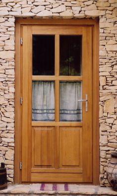 rusztikus bejárati ajtó, tölgyfából