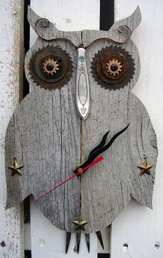Rustic Owl CLOCK Weathered Wood  Reclaimed Wood  by RusticSpoonful #clock #owlclock #owls #wood #reclaimedwood #weatheredwood #metalworking
