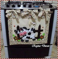 Cute kitchen decor small modern kitchen interior design,country cabinets kitchen modern rustic kitchen cabinets,rustic kitchen cabinet hardware retro look kitchen. Cute Sewing Projects, Sewing Hacks, Sewing Crafts, Sewing Tutorials, Kitchen Hot Pads, Cow Kitchen Decor, Cow Decor, Cow Craft, Diy Y Manualidades