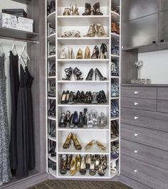 Dressing de chaussures très élégant