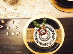 Easy holiday party table setting tips Christmas Table Settings, Christmas Decorations, Gold Christmas, Holiday Parties, Ethnic Recipes, Tips, Party, Image, Black