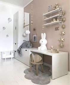 A pretty kid's room The post A pretty kid's room appeared first on Garden ideas - Gardening Baby Bedroom, Baby Room Decor, Girls Bedroom, Pretty Kids, Pretty Room, Kids Room Design, Kids Corner, Little Girl Rooms, Boy Room